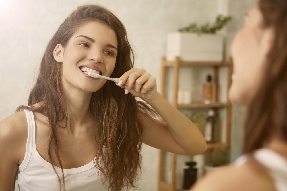 Putzen Sie Ihre Zähne gut, damit sie weiß bleiben