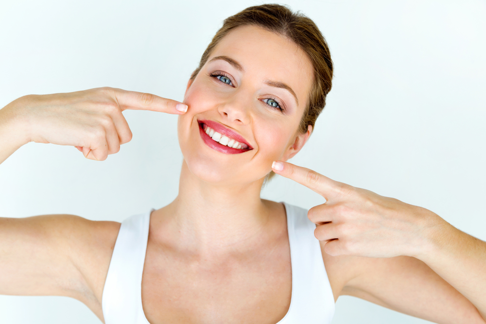 White teeth tips